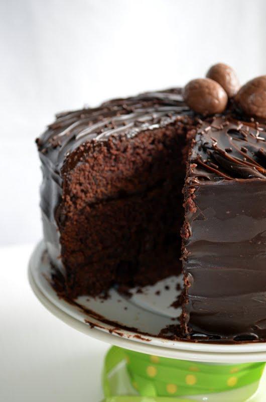 Le g teau au chocolat deluxe joyeuses p ques voyage gourmand - Glacage pour eclair au chocolat ...