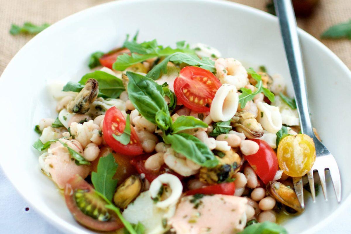 Salade de haricots et fruits de mer à l'italienne