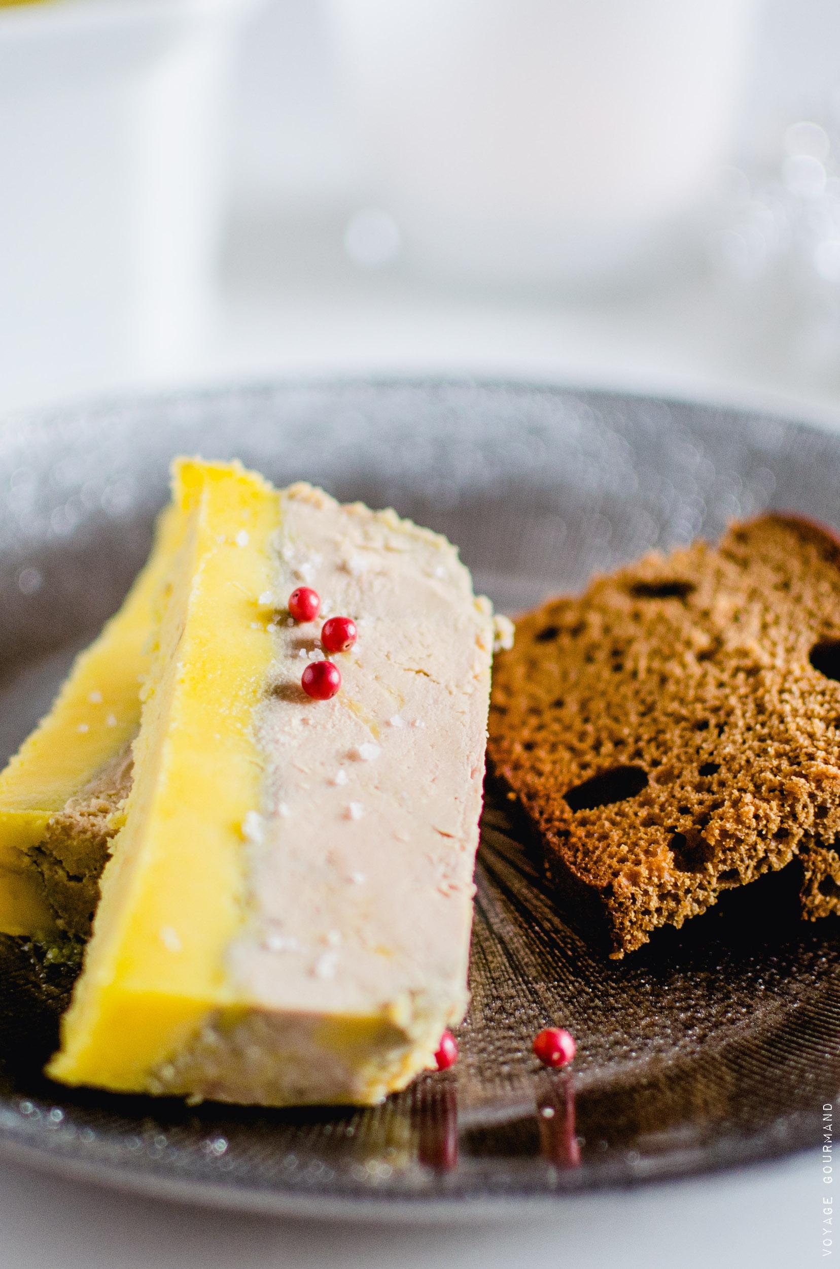 Foie gras en terrine au muscat et à l'armagnac, façon Michel Guérard