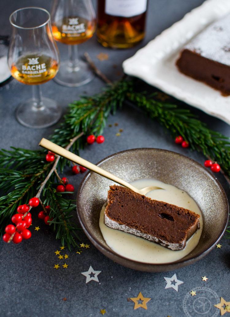 Gâteau fondant au chocolat en 4 ingrédients et sans sucre