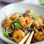 Wok de crevettes caramélisées et sphaghettis de légumes